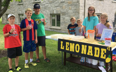 Lemonade girls – Siana and Elaina Stainforth